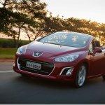 Peugeot 308 CC chega ao Brasil por R$ 129.990