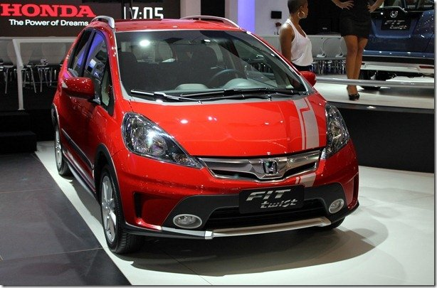 Salão de São Paulo – Honda apresenta Fit Twist e Civic e CR-V ganham motor 2.0 Flex