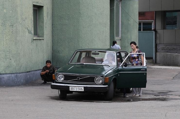 Carros-coreia-do-norte-dprk (9)