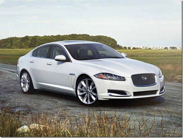 Jaguar XF tem nova versão de entrada com motor 2.0 Turbo
