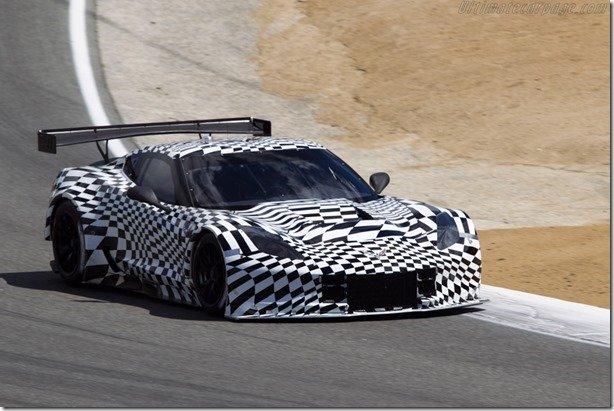 Chevrolet apresenta, sob disfarces, o Corvette C7.R