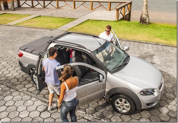Fiat Strada três portas é convocada para recall