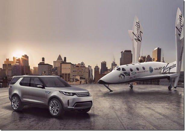 Land Rover mostra Discovery Vision Concept ao lado do SpaceShipTwo