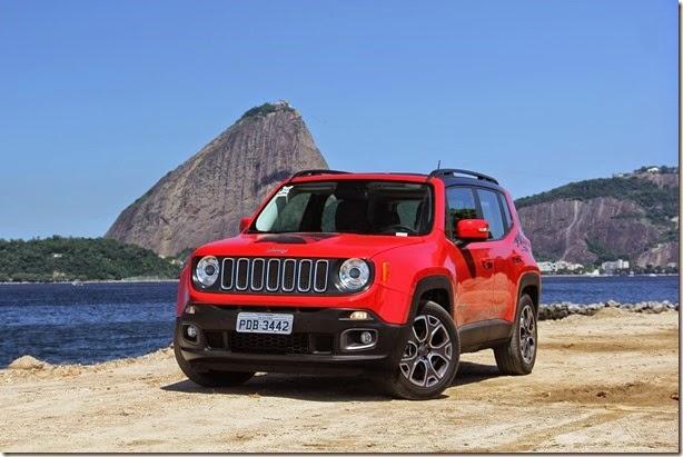 Jeep Renegade chega às lojas com selo comemorativo e preços de até R$ 157 mil