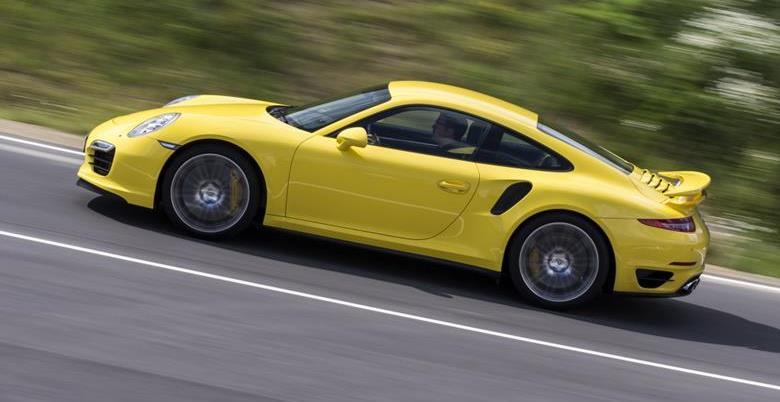 Porsche 911 ganhará versão para agradar aos puristas em 2016