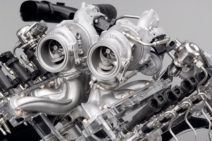 bmw-v8-gasoline-engine-with-twin-turbo-and-high-precision-injection-02