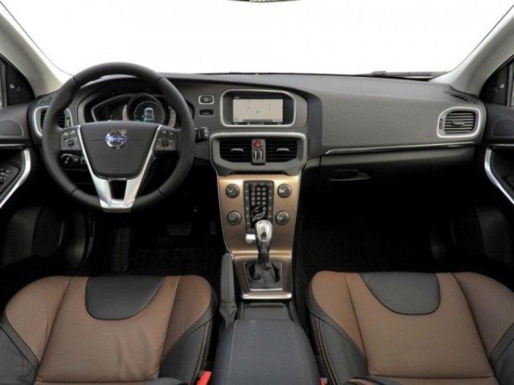 volvo-v40-cross-country-drive-e