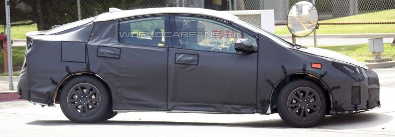 Toyota Prius tem apresentação confirmada para setembro