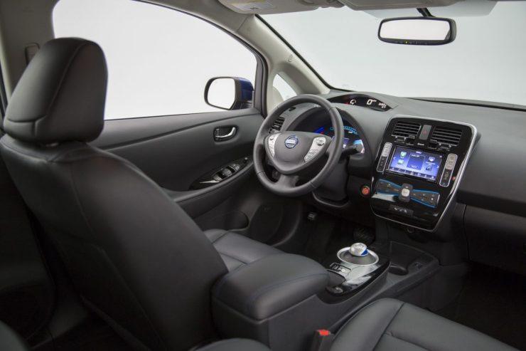 2016-Nissan-Leaf-25