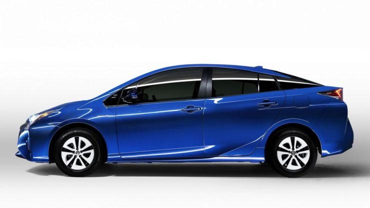 NA-2016-Toyota-Prius-15