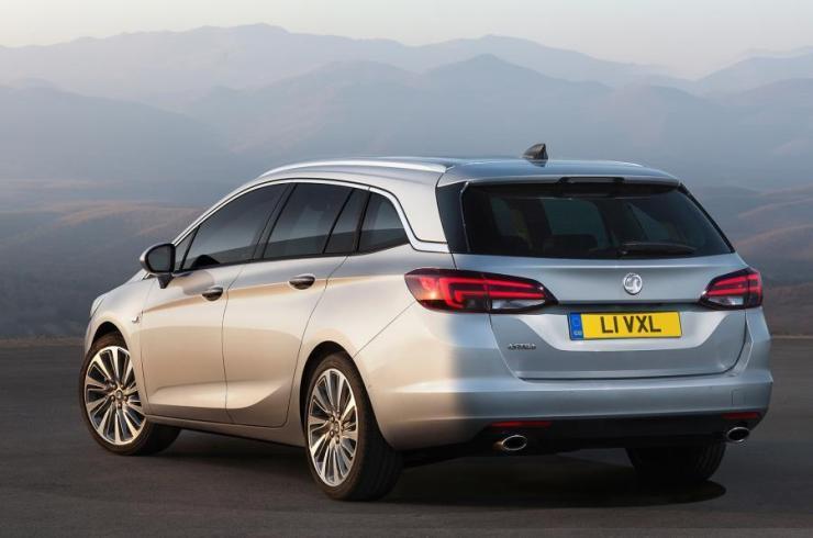 Opel Astra Sports Tourer (4)