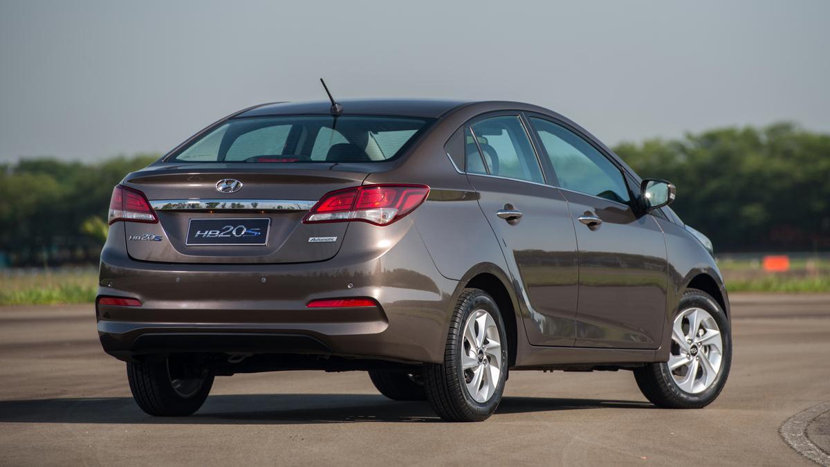 d9fa21525 Novo Hyundai HB20S 2016 (6). Por fora, as novidades de design são (quase)  as mesmas do hatch e também estão disponíveis de acordo com a versão  escolhida.