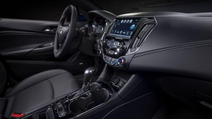 2016-Chevrolet-Cruze-Interior-010