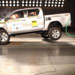 Latin NCAP divulga últimos testes do ano e nova Hilux recebe cinco estrelas