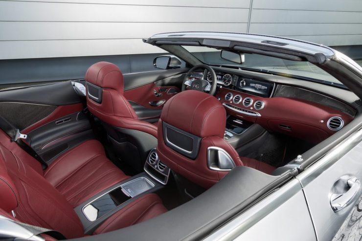 "Mercedes-AMG S 63 4MATIC Cabriolet ""Edition 130"" (Fuel consumption combined: 10.4 l /100 km; combined CO2 emissions: 244 g/km; Kraftstoffverbrauch kombiniert: 10,4 l/100 km; CO2-Emissionen kombiniert: 244 g/km) Interieur: designo Exclusive Leder Nappa bengalrot/schwarz interior: designo exclusive leather nappa bengal red/black Zierteile: AMG Zierteile Carbon/ Klavierlack schwarz trim parts: AMG carbon-fibre / black piano lacquer Exterieur: AMG Alubeam silber exterior: AMG alubeam silver"