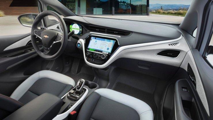2017-Chevrolet-BoltEV (1)
