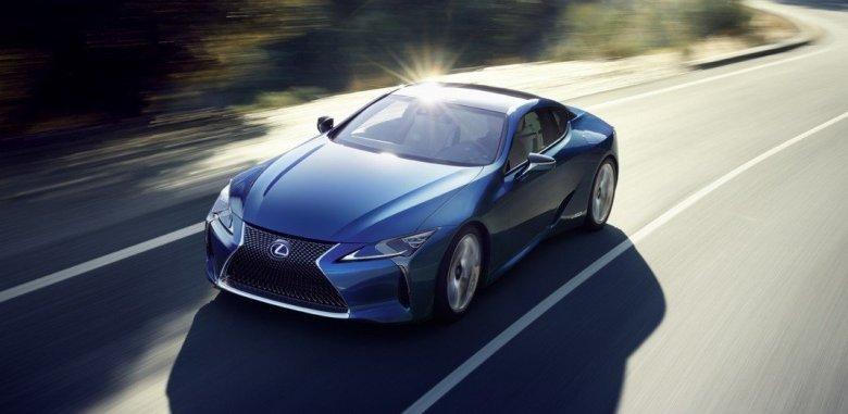 Híbrido Lexus LC 500h é revelado com 354 cv e tração traseira