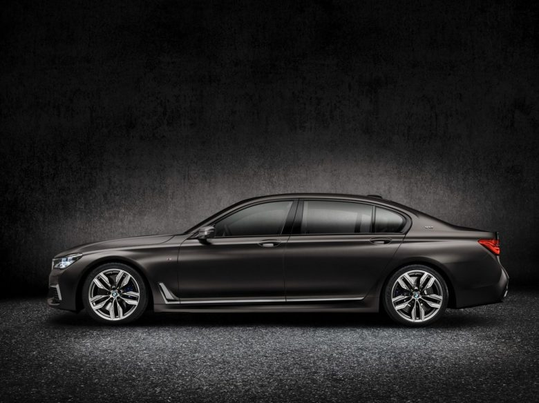 BMW Série 7 ganha pacote M