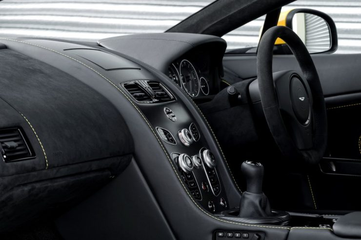 2016-aston-martin-v12-vantage-s-manual-9