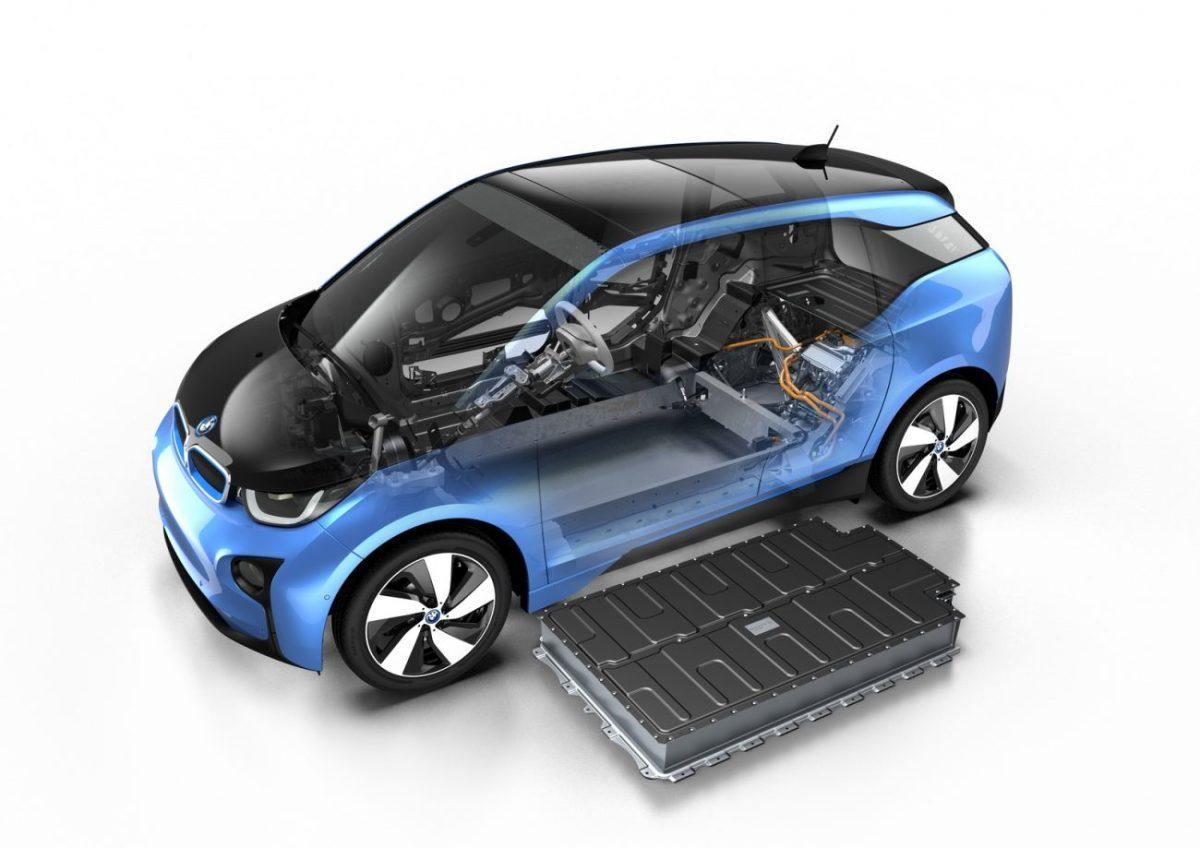 BMW i3 2017 vai mais longe com bateria maior