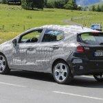 Novo Ford Fiesta 2017 já roda em testes com carroceria definitiva