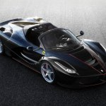 Ferrari LaFerrari Spider aparece em primeiras imagens