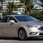 Ford Fusion Hybrid 2017 chega por R$ 159,9 mil
