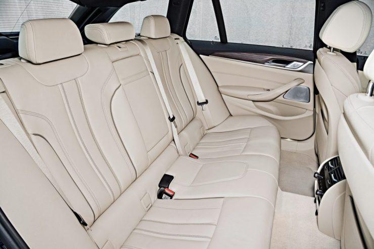 2018-BMW-5-Series-Touring-59
