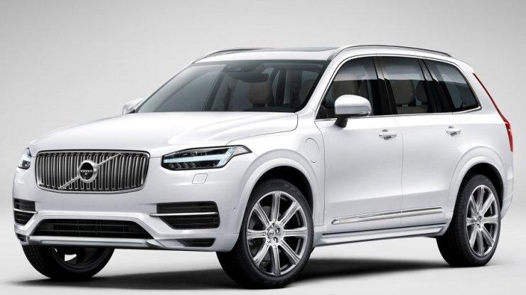Volvo XC90 ganha versão híbrida por R$ 456.950