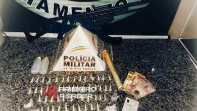 Photo of Homem é preso e adolescentes são apreendidos com drogas na Av. Santa Rita