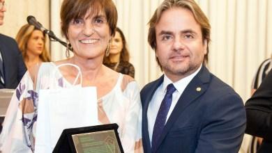 Photo of Professora da UFV é homenageada pelo Conselho Regional de Medicina Veterinária
