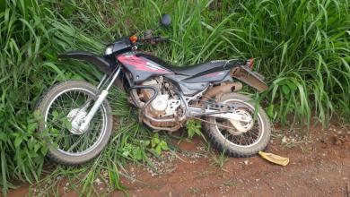 Foto de Motocicleta roubada em Cajuri é recuperada após roubo a agência dos correios em Teixeiras