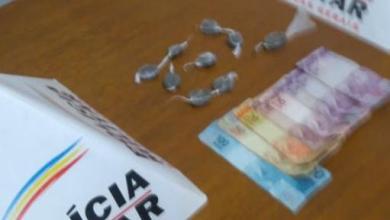 Photo of Mulher é presa e adolescente é apreendido com drogas em Coimbra
