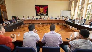 Photo of UFV adota novas medidas acadêmicas e administrativas de contingenciamento da Covid-19