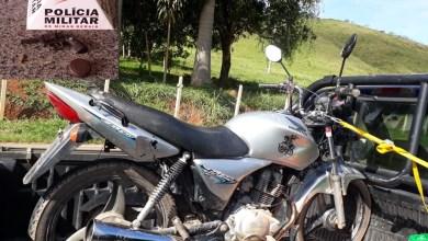 Photo of PM apreende arma e motocicleta sem placa durante apoio à barreira sanitária na MG-280, entre Viçosa e Paula Cândido