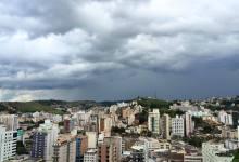 Photo of Zona da Mata terá fim de semana quente e chuvoso