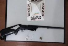 Foto de Homem é preso com arma em Araponga