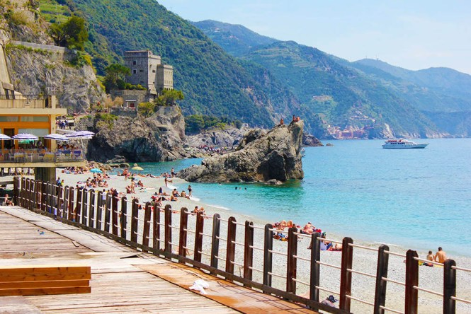 cinque terre_monterosso_pier_Itália