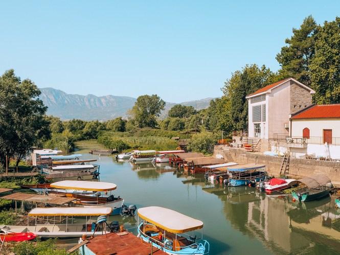 A pequena vila de Virpazar, nas margens do Lago Skadar