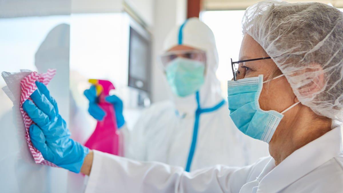 Gobierno-emitió-guía-para-la-limpieza-y-desinfección-de-servicios-de-salud-ante-el-Covid-19