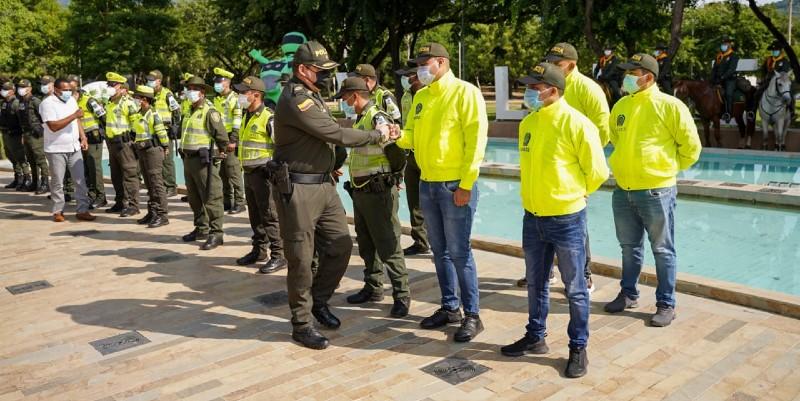 POLICÍAS TRÁNSITO FESTIVAL VALLENTO