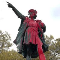 Cuerpos simbólicos: Sobre derribar o erigir monumentos