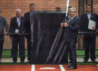 Al estilo beisbolero, AMLO da avance sobre sus 100 días de gobierno
