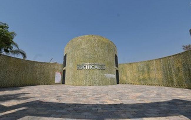Evocan la investigación en Zona Arqueológica de Xochicalco