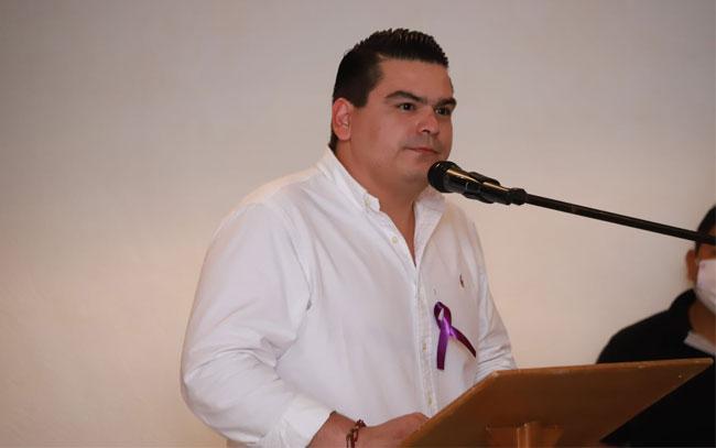 Cárcel para quien cometa maltrato animal: Javier García Torres