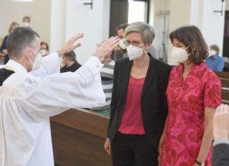 Sacerdotes se rebelan al Vaticano realizando matrimonios a comunidad LGBT