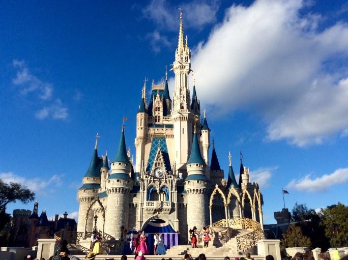 Magic Kingdom juegos abiertos