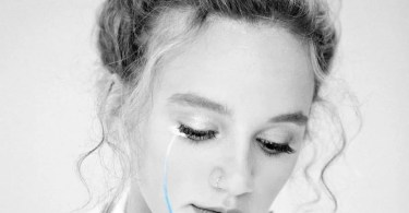 Download Music I don't know if we can be friends Mp3 By Hollyn