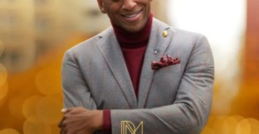 Download Music A Different Song Mp3 By Donnie McClurkin