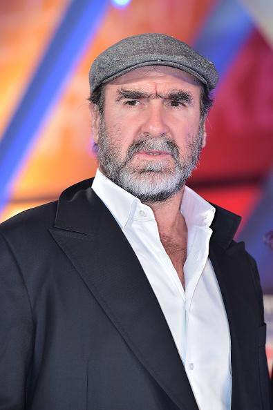 Éric daniel pierre cantona (marsiglia, 24 maggio 1966) è un attore, dirigente sportivo ed ex calciatore francese, di ruolo attaccante. What If Eric Cantona's Kung Fu Kick Incident Never Happened?